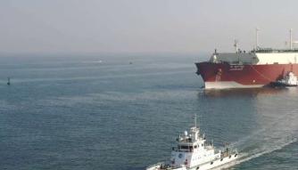 """天津大港海事局工作人员—— """"船安全驶离,任务才算完成"""""""