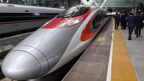 广深港高铁香港段开通仪式举行