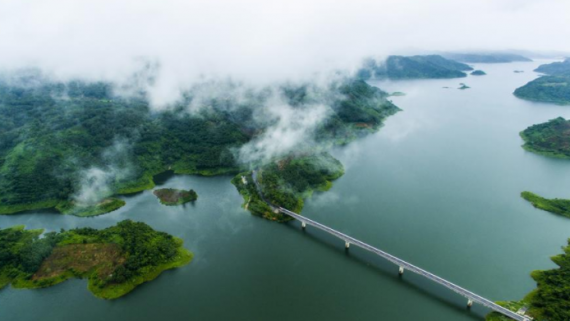 生态中国·绿满琼崖碧连天