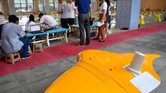 我国研制出滑扑一体自主变形仿生柔体潜航器