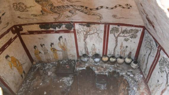 太原一工地发现唐代墓葬 壁画精美完整
