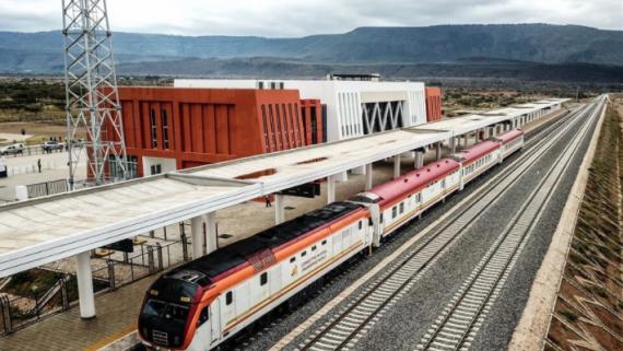 中企承建的肯尼亞內馬鐵路進行聯調聯試
