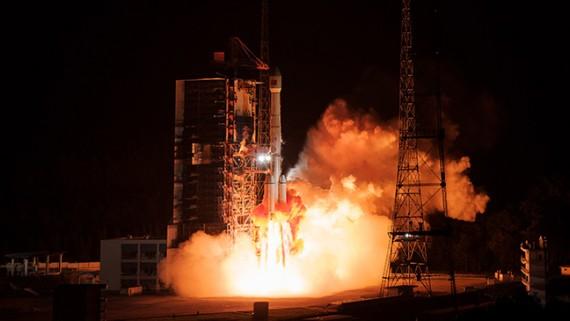 我国成功发射通信技术试验卫星四号