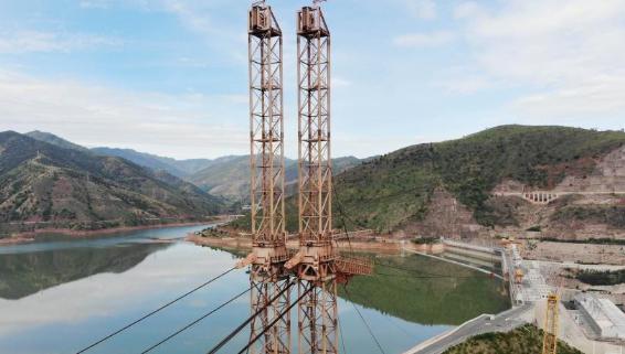 世界跨度最大30吨级辐射式缆机设备成功拆除