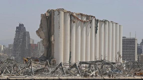 贝鲁特港口大爆炸重创黎巴嫩经济