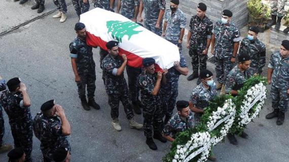 黎巴嫩贝鲁特:送别大爆炸事故牺牲消防员