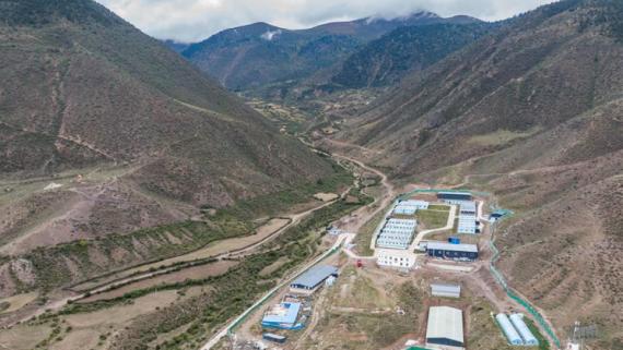 西藏昌都:卡若香猪养殖助力贫困户增收
