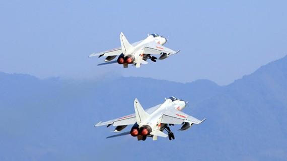 南部战区海军航空兵某旅组织节后开飞训练