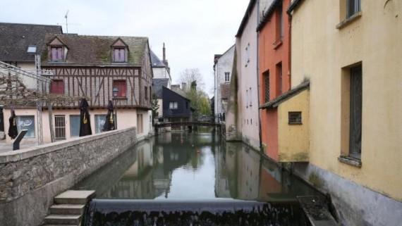 中国红色印记镌刻法国小城蒙达尔纪