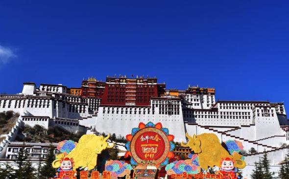 中华同春来——西藏各族群众喜迎春节和藏历新年见闻
