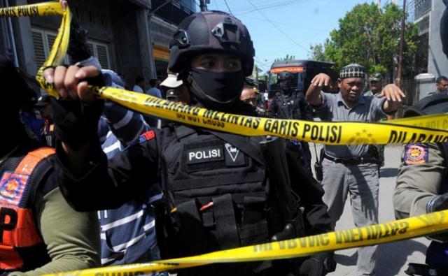 习近平就印尼泗水发生恐怖袭击事件向印尼总统佐科致慰问电