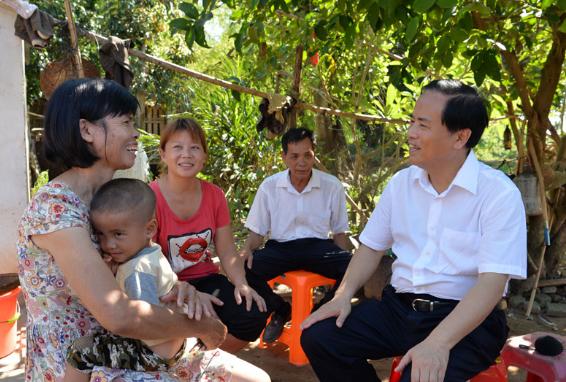 刘赐贵率省委第一复查组赴儋州调研复查脱贫攻坚工作并座谈