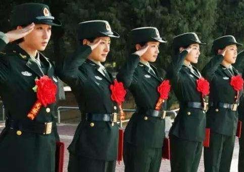 退伍军人征服女上�_今日热点  开栏的话 他们,曾经是军人,黄金百战穿金甲;他们,退伍不