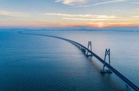 港珠澳大桥、北斗三号 数说2018经济发展重大成就