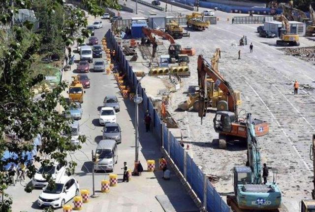 计划8个月完工拖近6年 海口桂林洋这路拖成