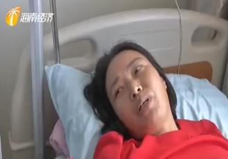 養生館挑檐突然坍塌 兩名工人被壓一死一傷