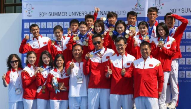 中国队获得大运会男、女跳水团体金牌