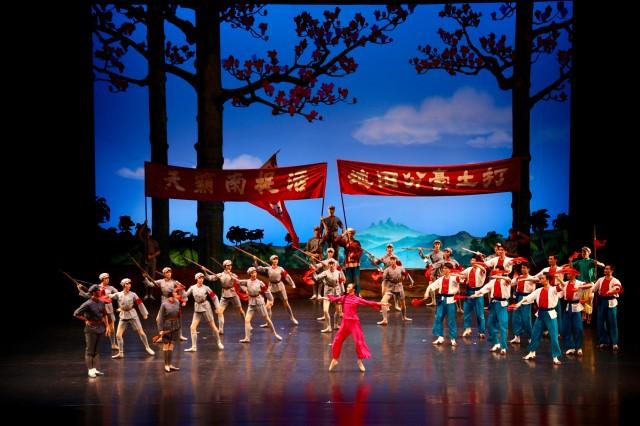 经典芭蕾舞剧《红色娘子军》主题教育专场演出今晚海口震撼上演
