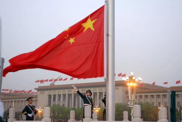 六篇文章,为您解读新中国70年奋斗历程的启示