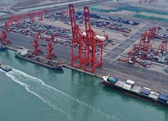 海关总署:今年前7个月我国外贸进出口同比增4.2%