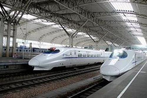 """受台风""""杨柳""""影响   进出岛旅客列车停运"""