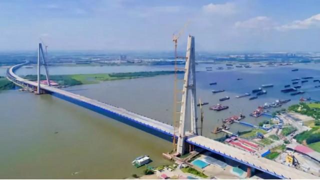 """桥宽48米,双向10车道!""""最宽长江大桥""""主体完工"""