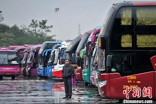 两部门:6岁以下儿童可免费乘客运班车 儿童乘车优惠可看年龄