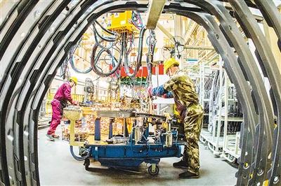 新年首次国务院常务会议聚焦制造业——四大举措促进制造业稳增长