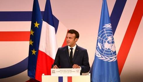 """马克龙宣布法国处于抗疫""""战时状态"""" 全法实施""""封城""""措施"""