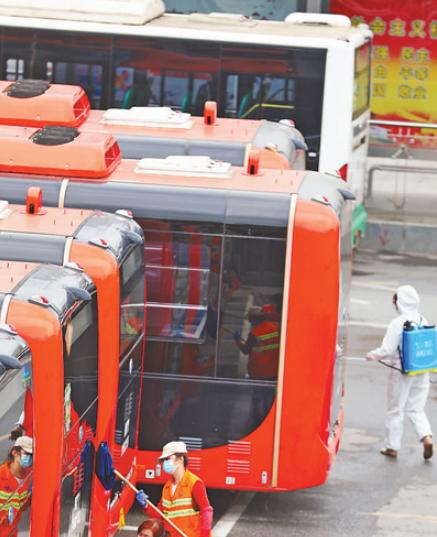 武汉117条公交线路恢复运营