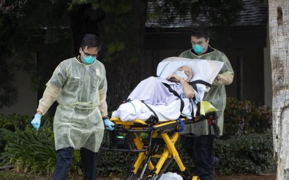 """北美观察丨美国养老院疫情""""黑洞""""未解 谁把最脆弱的人推向危险?"""
