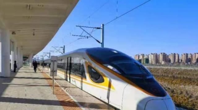 全国铁路今起调图:暑运大幕开启 一批新线开通运营