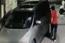 """商务轿车停小巷深夜被砸 视屏记录一男子""""精准""""砸车"""