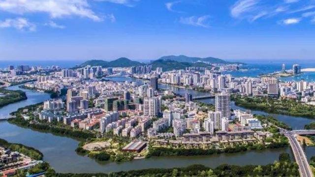 三亚2021年元旦小长假旅游接待40.74万人次 旅游总收入9.64亿元