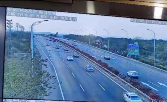 海南高速公路多路段车行缓慢
