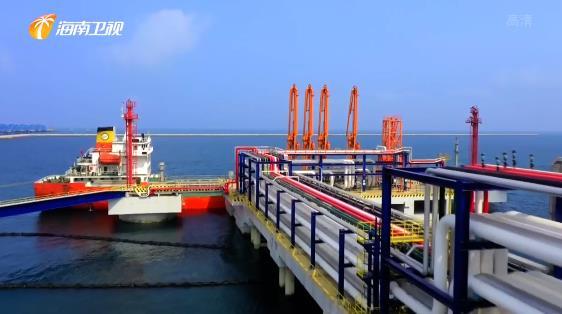 海南自贸港内外贸同船运输船舶可加注保税油政策落地实施