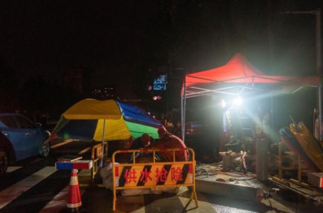 河南郑州:抢险救灾