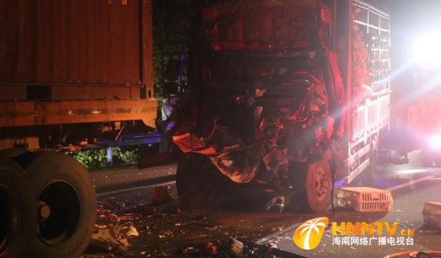 东线高速深夜4小时接连两起车祸 万宁消防火速开展救援行动