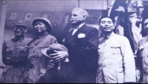 红色血脉——党史军史上的今天 8月28日 重庆谈判