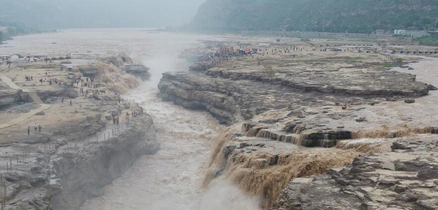 黄河壶口瀑布水量大增 迎来秋季最佳观赏期